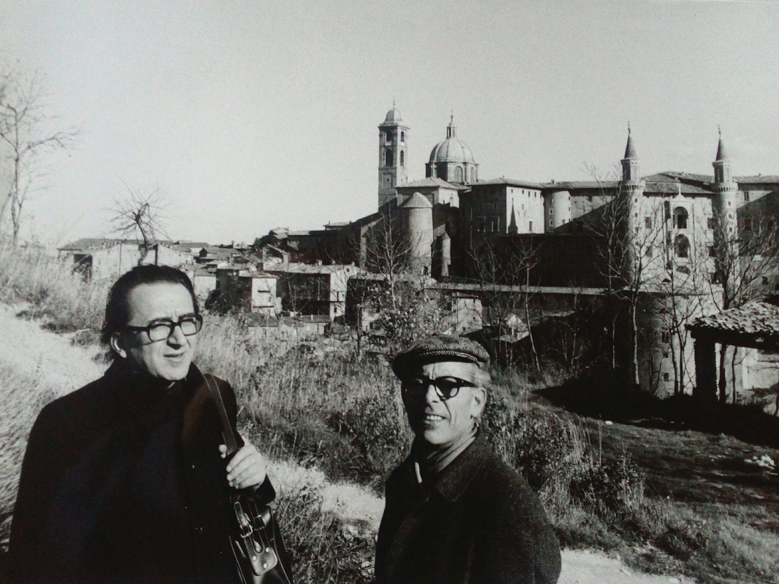 Andrea Emiliani e Renato Bruscaglia - fotografia di Paolo Monti (1971)
